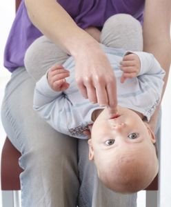 how to give rescue breaths to an infant