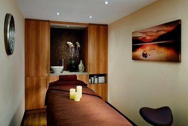Watham Abbey Marriott Spa treatment room